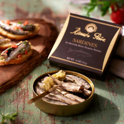Sardinillas in Olive Oil with Padrón Peppers by Ramón Peña